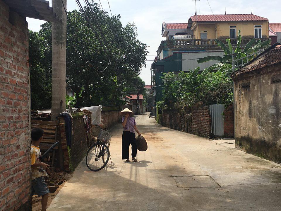 Bán mảnh đất xóm ba Vân Nội 147m có thể chia 2 lô cực đẹp giá 22tr/m2