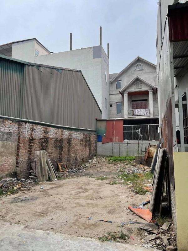 Cần tiền bán lô đất vuông vắn mặt tiền 6m, đường thông 4m tại Bắc Hồng, Đông Anh, Hà Nội