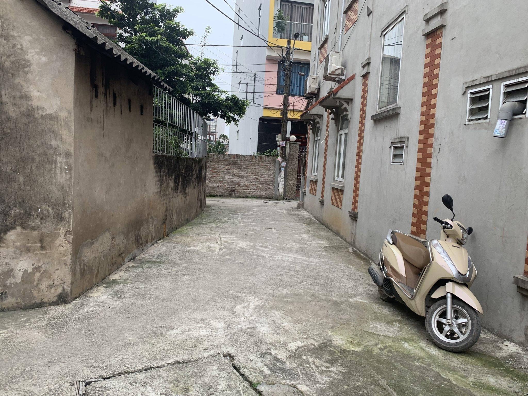Bán 80m 2 mặt ngõ sau dãy phố Nhật Tân Đông Anh giá siêu rẻ