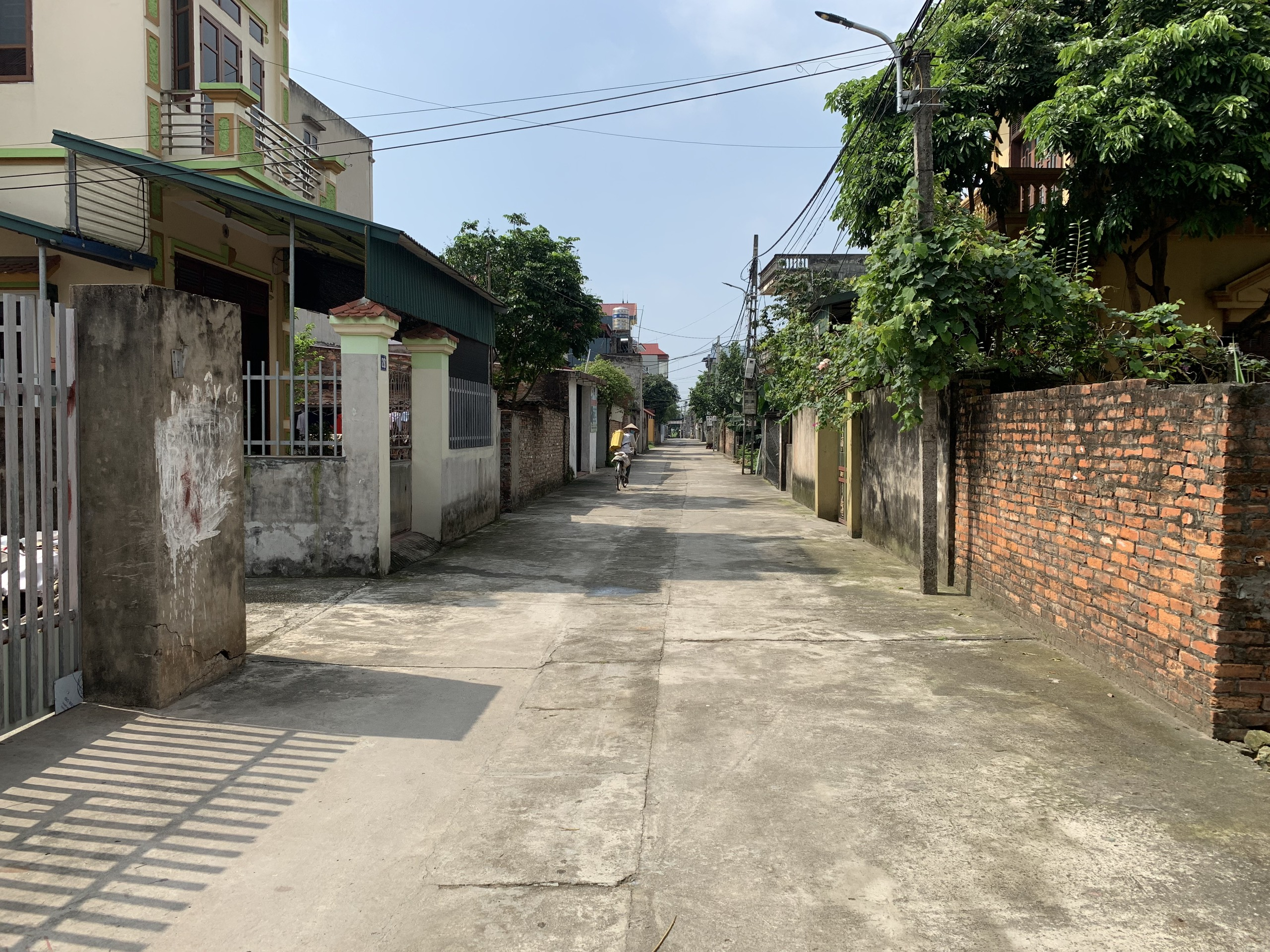 Bán 122m mt 6m trục chính xóm 15 thôn Đoài Nam Hồng Đông Anh Hn